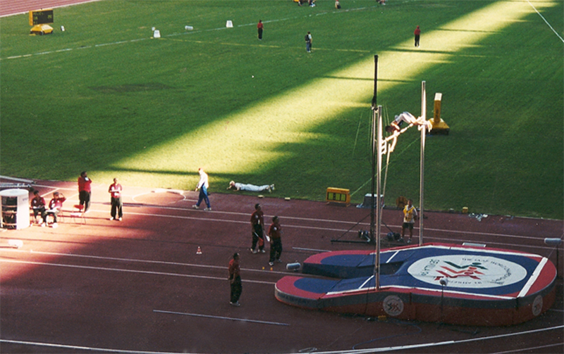 Nick Hysong Pole Vaulting 5.70m at the 1999 World Championship in Seville Spain