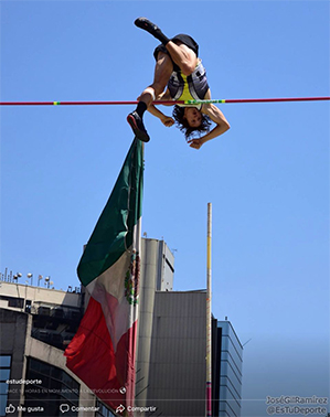 Cole Walsh Clears 5.60 in Mexico City